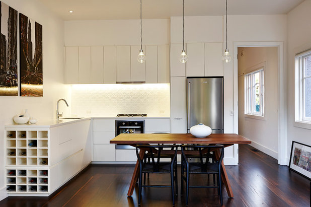 Contemporary Kitchen by Daniel Ash Architects