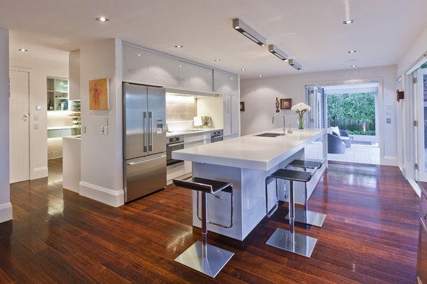 Modern Kitchen by Du Bois Design Ltd