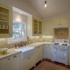 Farmhouse Kitchen by JMA (Jim Murphy and Associates)