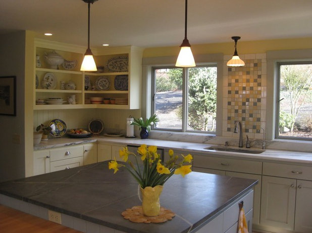 Traditional Kitchen by Maughan Design & Remodel