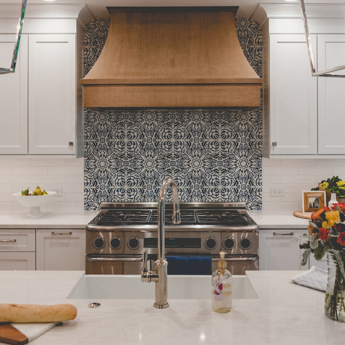 Winnetka White with Blue Accent Kitchen