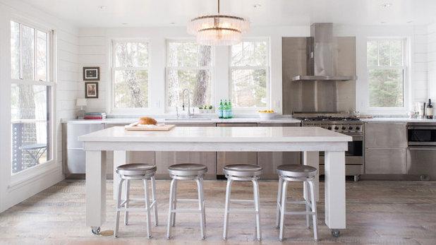 Transitional Kitchen by Albertsson Hansen Architecture, Ltd