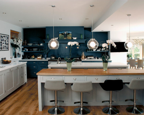 Best scandinavian kitchen with blue backsplash design for Scandinavian kitchen backsplash