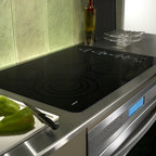 "Wolf 30"" Smoothtop Electric Cooktop, Black 