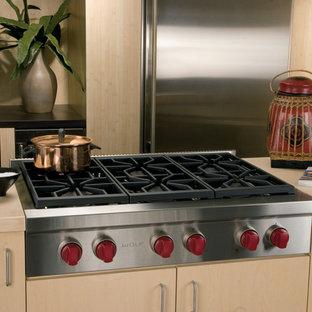 Trendy kitchen photo in Los Angeles
