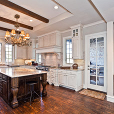 Traditional Kitchen by Designer