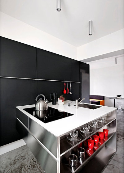 Contemporary Kitchen by SPACEDGE