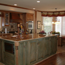 Traditional Kitchen by Polly Blair