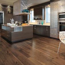 Modern Kitchen by Floor to Ceiling Interior Design Center