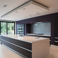 Contemporary Kitchen by Excelsior Kitchens