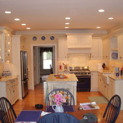 traditional kitchen by Al Herold