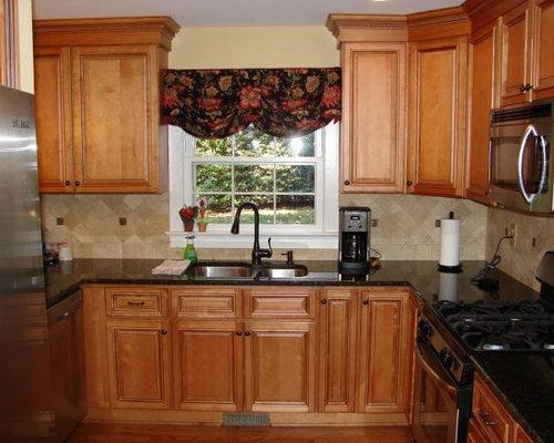 kitchen with terra cotta backsplash and light wood