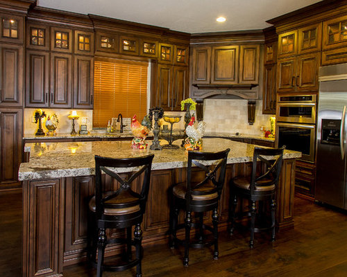 Wood stained kitchen cabinets anderson for Anderson kitchen cabinets