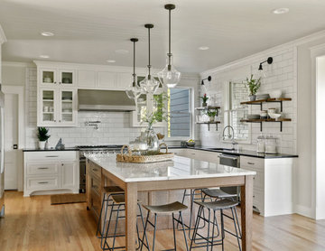Woodbury Modern Farmhouse
