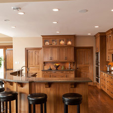 Traditional Kitchen by Woodecor Ltd