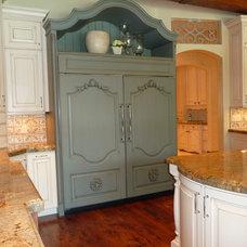 Traditional Kitchen wooden fridge