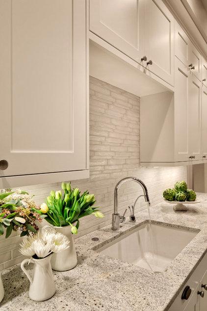 Contemporary Kitchen by Studio 212 Interiors