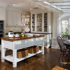 Traditional Kitchen by Kitchens by Eileen