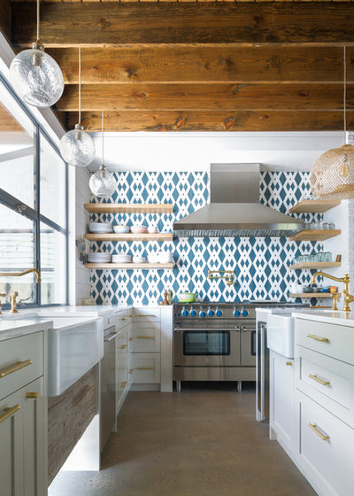 Farmhouse Kitchen by Restructure Studio