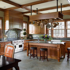 traditional  by Woodmeister Master Builders