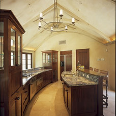 Traditional Kitchen by Mattingly Thaler Architecture