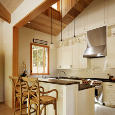 Traditional Kitchen by Charlie Barnett Associates
