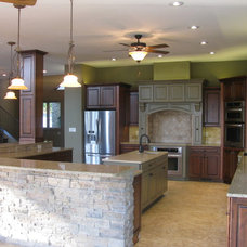 Traditional Kitchen by Hughes Orr Group