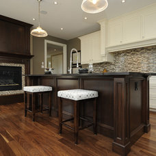 Traditional Kitchen Woody's Custom Cabinetry