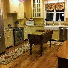 Farmhouse Kitchen by Amanda Napier - M & H Custom Cabinets, Inc.