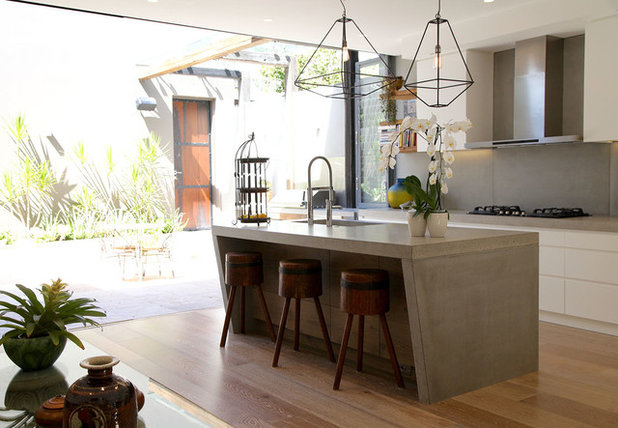 Contemporary Kitchen by LGDesign