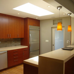 modern kitchen by Kurt Worthington