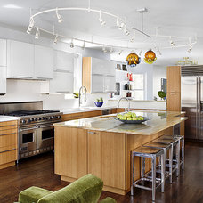 Midcentury Kitchen by Alan Design Studio