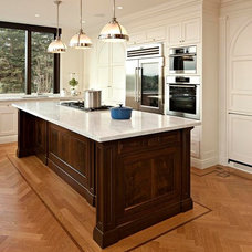 Traditional Kitchen by McGill Design Group Inc.