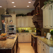 Traditional Kitchen by Time2Design