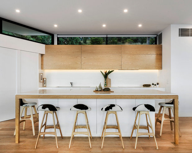 Contemporary Kitchen by John Wheatley UA Creative