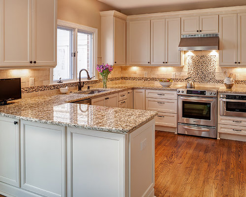 Giallo napoli granite ideas pictures remodel and decor for Kitchen designs with peninsulas