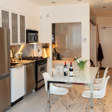 Contemporary Kitchen by The Cross Interior Design
