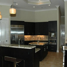 Traditional Kitchen by Homeworks of Alabama, Inc