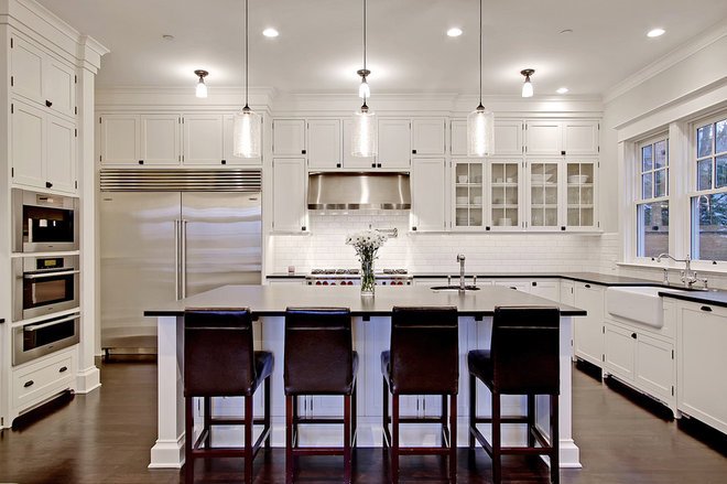 Traditional Kitchen by Anderson Construction Group, Inc.