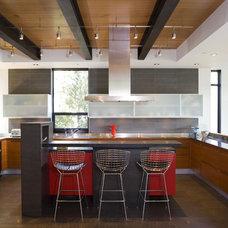 Modern Kitchen by Coop 15 Architecture