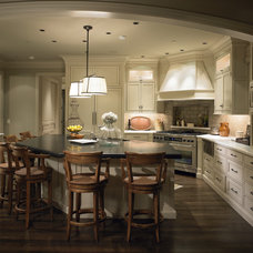 Traditional Kitchen by Roberts Wygal