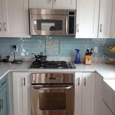 Beach Style Kitchen by Lowe's of Seabrook, NH