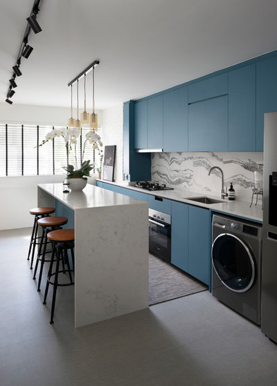 Contemporary Kitchen by SYNC INTERIOR PTE. LTD.