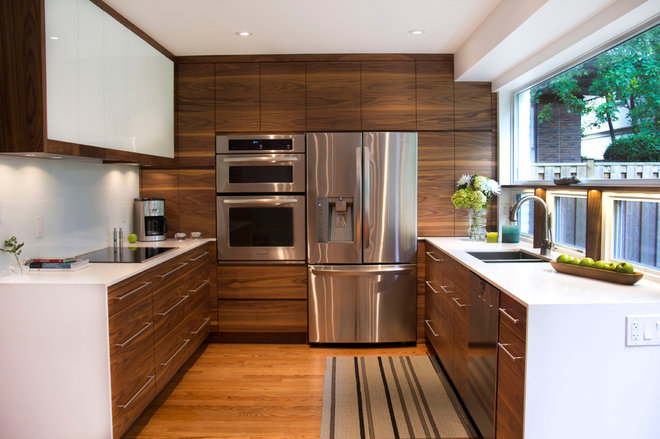 Contemporary Kitchen by Harvest House Craftsmen