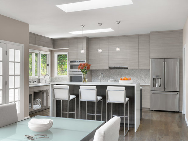 Contemporary Kitchen by JCR Design Group
