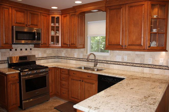 Kitchen Backsplash With Colonial Cream Granite
