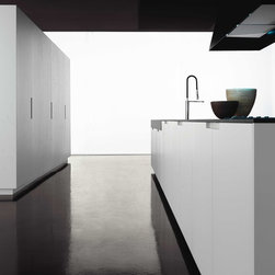 Zampieri Cucine Kitchen Cabinets - White Lacquer - Contemporary kitchen cabinets from Zampieri Cucine (made in Italy). This open kitchen layout makes kitchen the center of the house and brings the family together. White lacquer finish gives a clean, fresh look and a zen feeling.