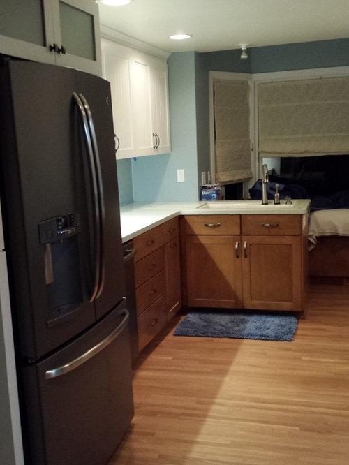 k chen mit arbeitsplatte aus recyclingglas und integriertem waschbecken ideen bilder. Black Bedroom Furniture Sets. Home Design Ideas