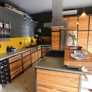 Ispirazione per una piccola cucina design