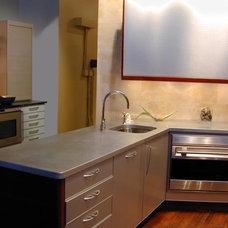 Modern Kitchen by Brooks Custom